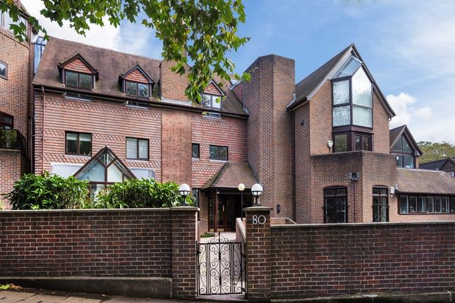 Flat to rent in Fitzjohns Avenue, London