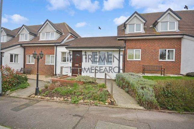 Thumbnail Flat to rent in Valley View, Axminster