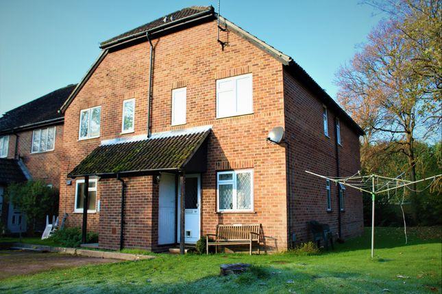 Thumbnail Maisonette to rent in Vesey Close, Farnborough