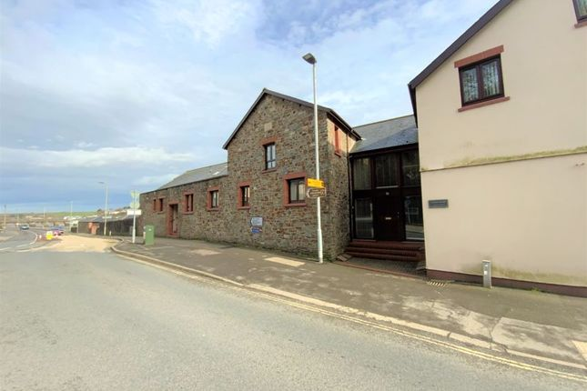 Thumbnail Flat to rent in New Road, Bideford