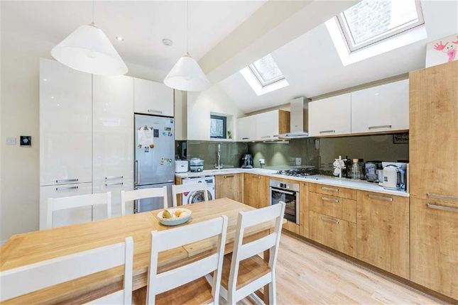 2 bed flat for sale in Edenvale Street, Fulham, London