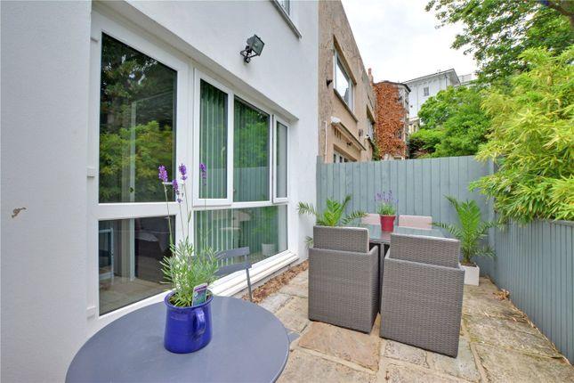 Picture No. 13 of Howard Court, Blackheath Hill, Greenwich, London SE10