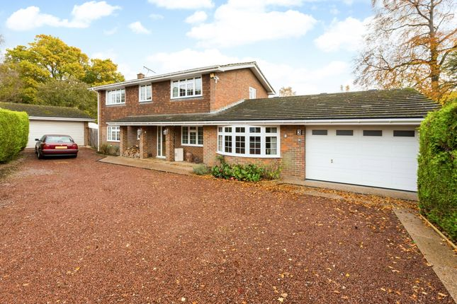 Thumbnail Detached house to rent in Old Farm Close, Knotty Green, Beaconsfield