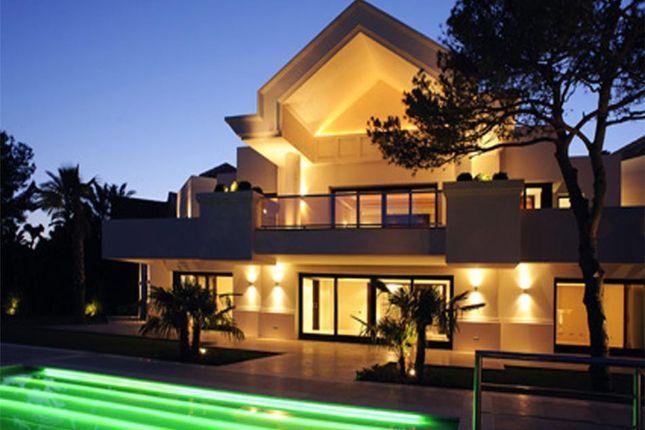 Villa for sale in Sierra Blanca, Marbella Golden Mile, Marbella