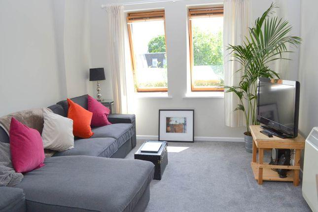 Thumbnail Flat to rent in Beech Court, Victoria Gardens, Newbury