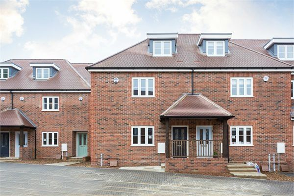 Thumbnail Terraced house for sale in Green Close, Brookmans Park, Hertfordshire