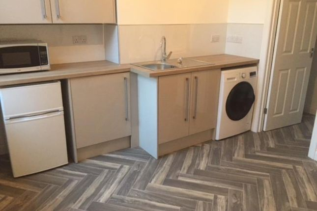 Thumbnail Studio to rent in Regent Street, Rugby, Warwickshire