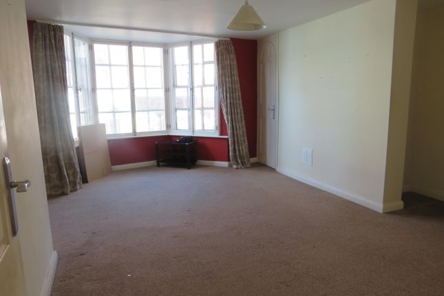 Thumbnail Flat to rent in North Street, Rugby
