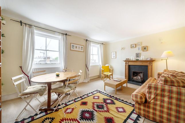 3 bed flat for sale in Oakley Street, London