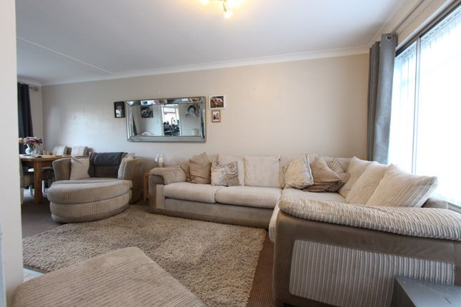 Thumbnail Semi-detached house to rent in Willington Street, Maidsone, Kent