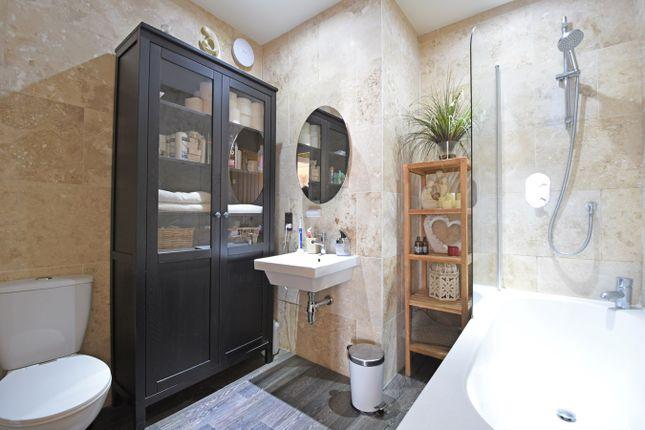 Family Bathroom of The Drive, Bexley DA5