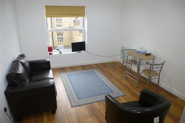 Thumbnail Flat to rent in Wellington Road, Dewsbury