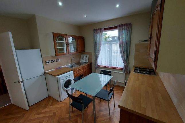 Thumbnail Flat to rent in Framfield Road, Mitcham