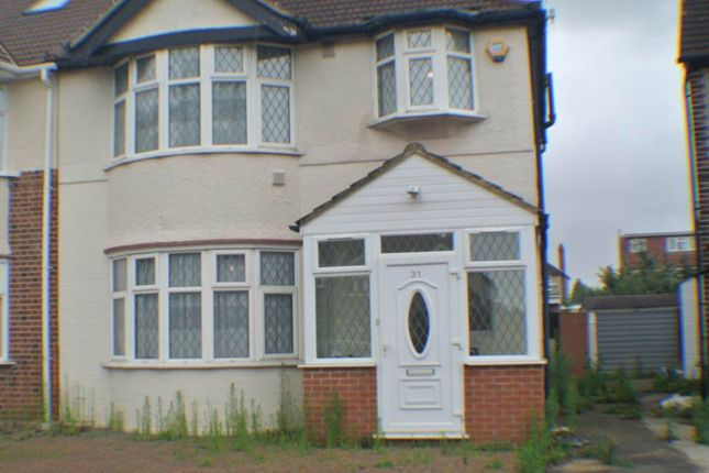 Thumbnail Detached house to rent in Shelley Crescent, Hounslow