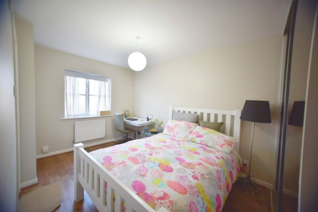 2 bed terraced house to rent in Cudham Close, Belmont, Sutton SM2