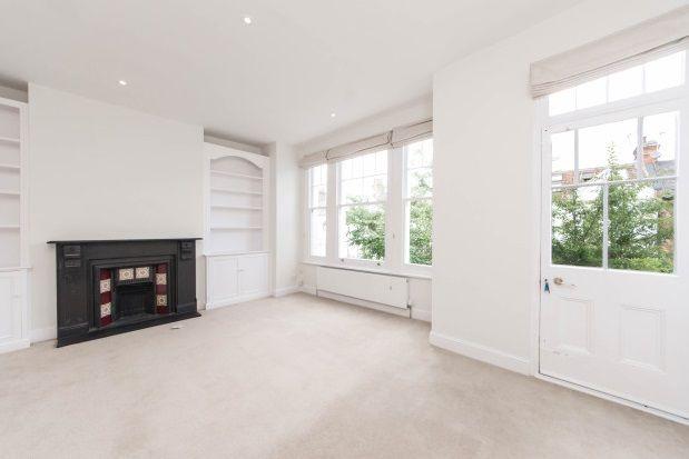 Thumbnail Flat to rent in Hurlingham Road, Parsons Green