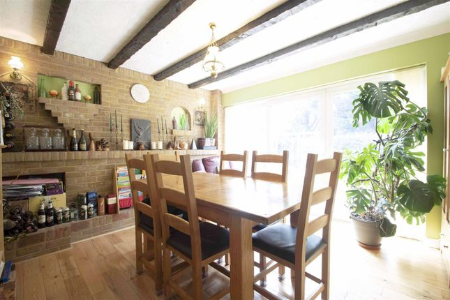 Family Room of Bellamy Close, Ickenham UB10