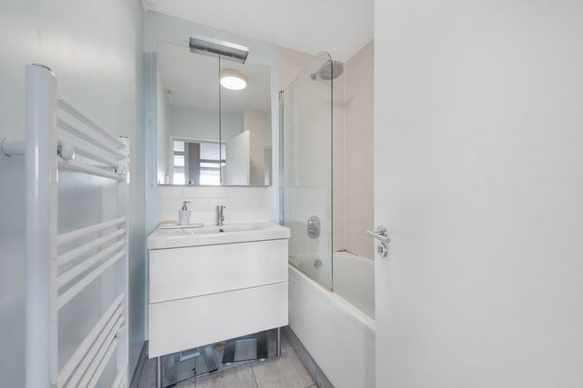 Bathroom of Little Dimocks, London SW12