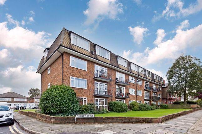 2 bed flat for sale in Rodney Close, New Malden KT3