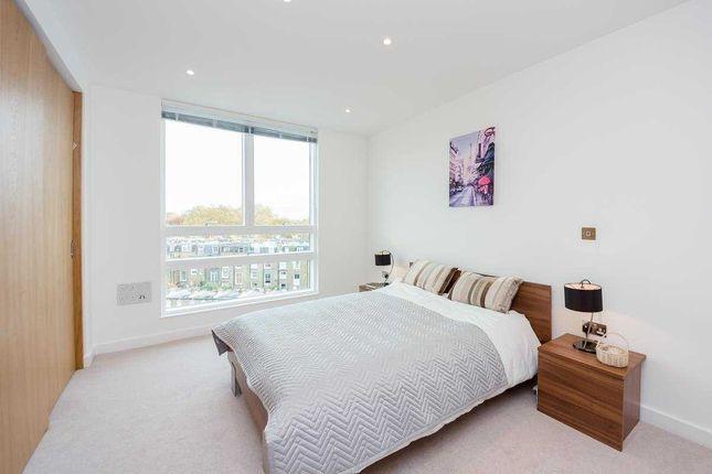 Thumbnail Flat to rent in Holland Park Avenue, Shepherd's Bush, London