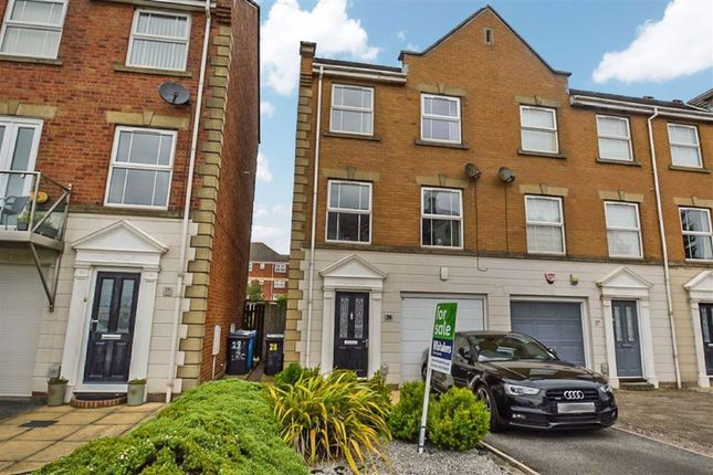 Thumbnail Town house for sale in Lock Keepers Court, Victoria Dock, Hull