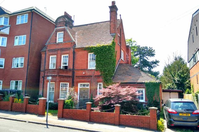 Detached house for sale in Alexandra Road, Hemel Hempstead