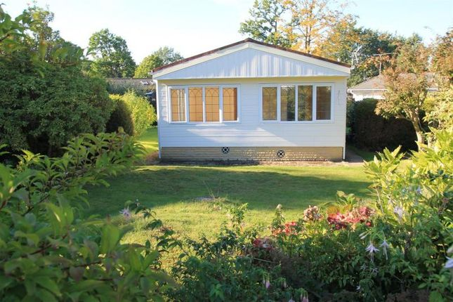 Thumbnail Mobile/park home for sale in Wellingtonias, Warfield Park, Bracknell