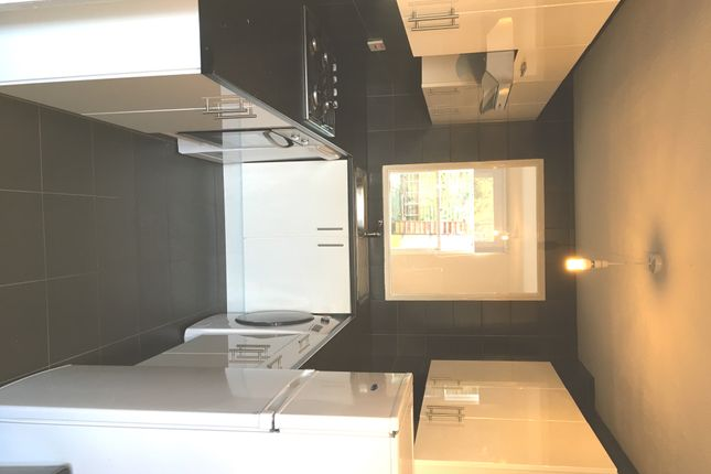 3 bed detached house to rent in Kingston Square, London / Crystal Palace