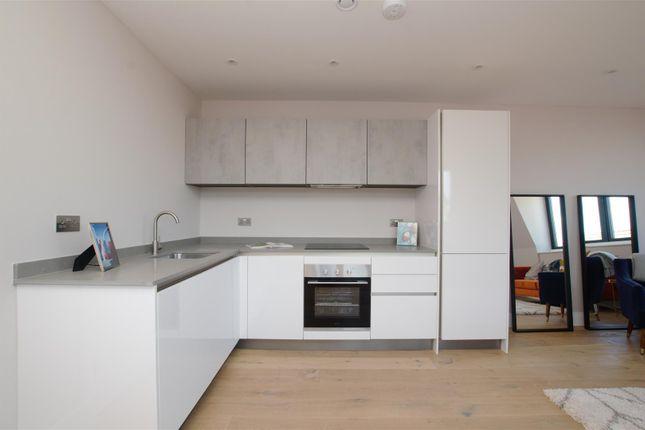 2 bed flat for sale in Cattle Market Street, Norwich NR1