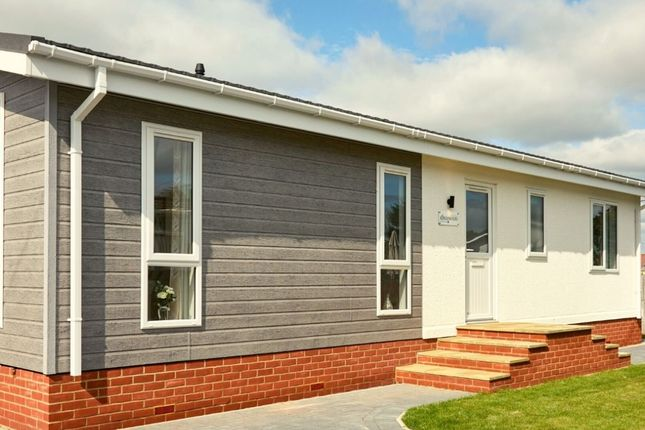 Thumbnail Mobile/park home for sale in Residential Park Home, Woolacombe, North Devon
