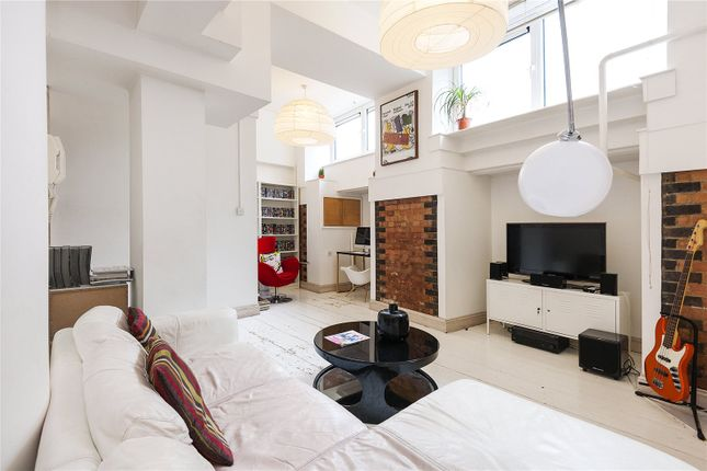 Thumbnail Flat for sale in City View House, 463 Bethnal Green Road, London