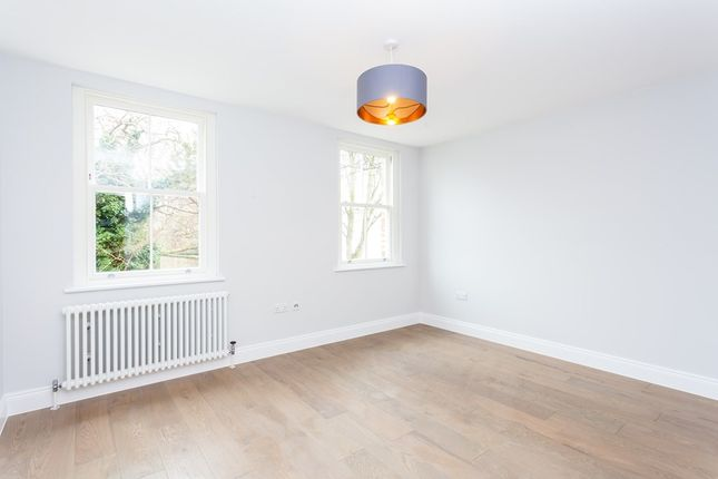 3 bed flat for sale in Adolphus Road, London