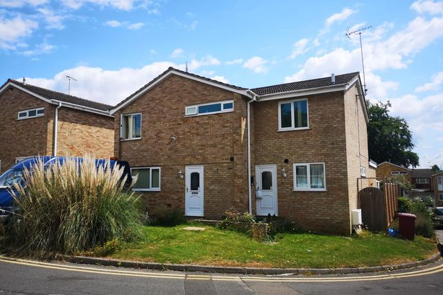 Thumbnail Detached house to rent in Harlech Avenue, Caversham