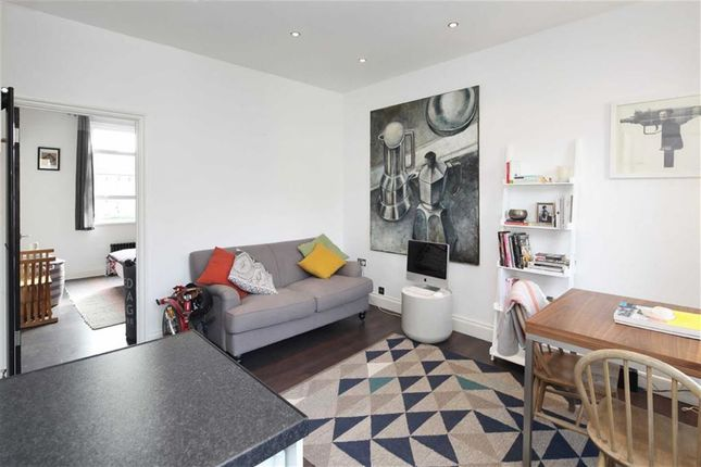 Thumbnail Flat to rent in St Thomas's Road, London