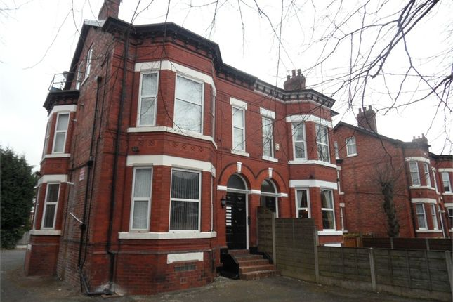 Thumbnail Flat to rent in Kennerley Road, Stockport, Cheshire
