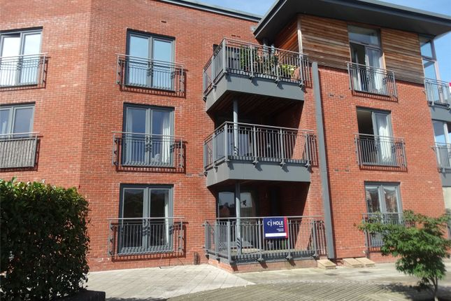 Thumbnail Flat for sale in Bevington Court, Worcester