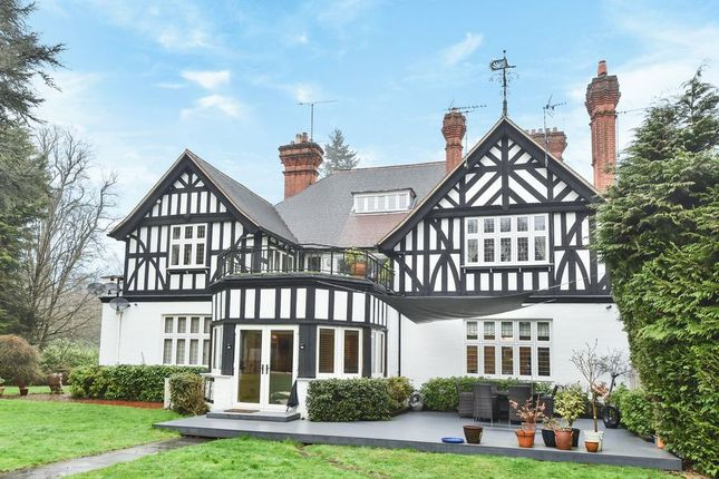 Thumbnail Flat to rent in New Place, London Road, Sunningdale, Ascot