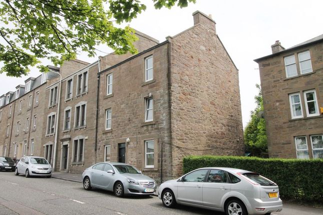 Thumbnail Flat for sale in Loons Road, Dundee