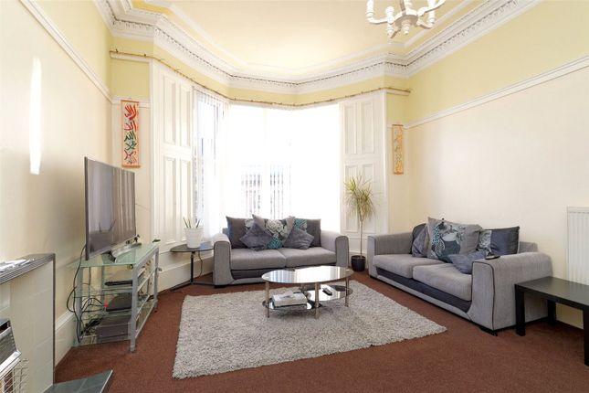 Picture No. 16 of Herriet Street, Glasgow, Lanarkshire G41