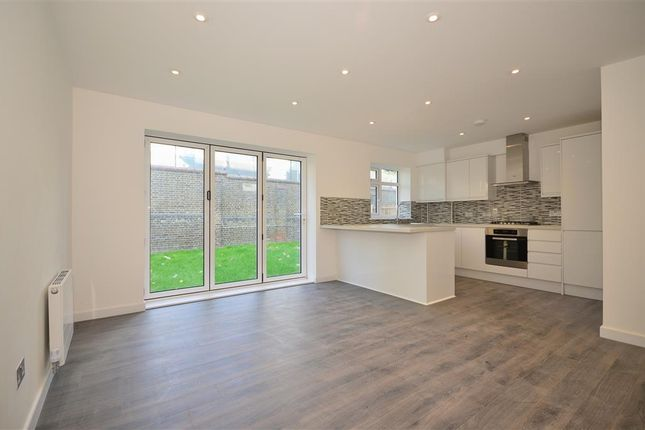 Thumbnail Flat for sale in Brewster Road, London