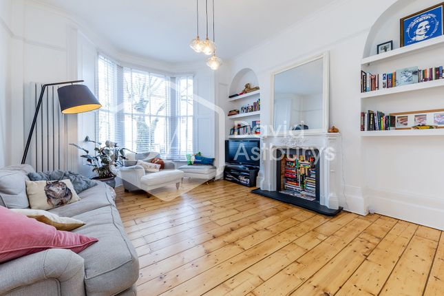 Thumbnail Flat for sale in Hanley Road, London