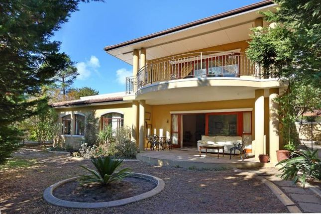 Thumbnail Property for sale in Auction Of Tuscan Style Home, Harrow Lane, Constantia, Western Cape, South Africa