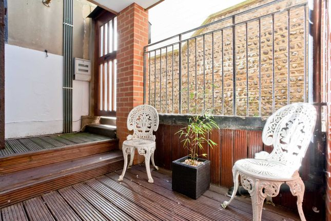 Thumbnail Detached house to rent in St. James's Gardens, Brighton