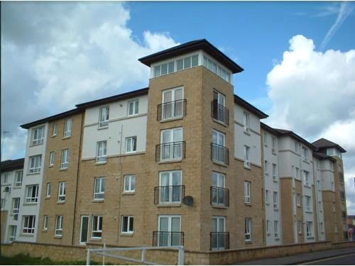 Thumbnail Flat to rent in Henderson Court, Motherwell
