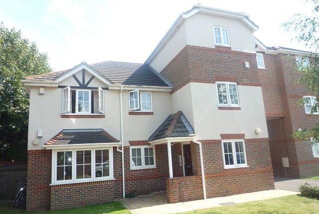 Thumbnail Flat to rent in Alexandra Court, Deanfield Close, Southampton