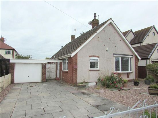 Thumbnail Bungalow for sale in Cleveleys Avenue, Thornton Cleveleys
