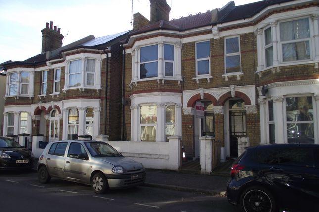 Thumbnail Flat to rent in Ashburnham Road, Southend-On-Sea