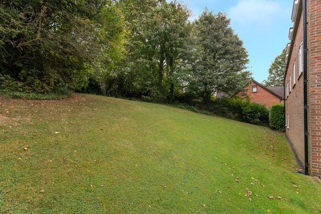 Comm Gardens of Craigmount, Radlett WD7