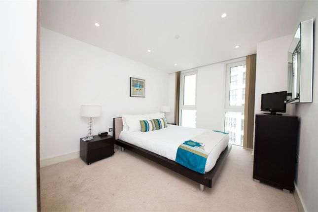 Thumbnail Property for sale in Altitude Point, Alie Street, Aldgate, London