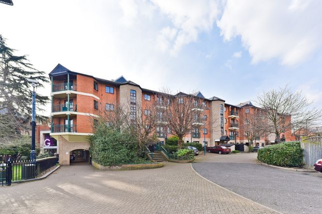 Thumbnail Flat to rent in Queens Road, Bromley
